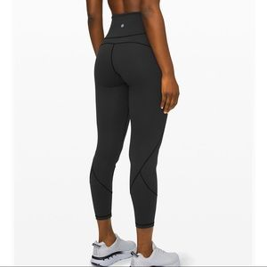 "LULULEMON IN MOVEMENT TIGHT 25"" SIZE 8 BLACK 🍋🍋"